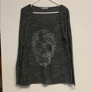 LS skull detail shirt